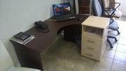 Стол угловые компьютерные правые и левые для офиса